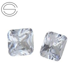 OCT II MM 4 Cyrkonia (Cubic zircon) CRYSTAL